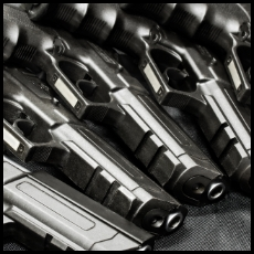 拳銃色付け